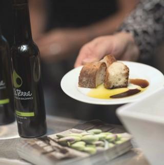 Food Della Terra Fresh Olive Oil & Balsamic Tasting Bar
